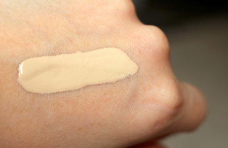 best long lasting foundation for dry skin
