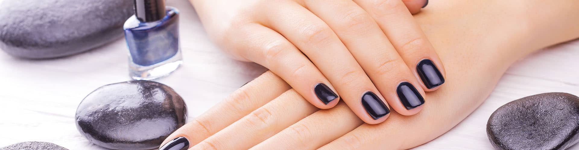Best Natural Nail Polish 2019 – The Complete Nail Polish Buying Guide